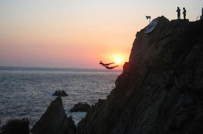 Cliff Divers Show - La Quebrada in Acapulco