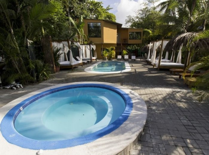Copacabana Hotel and Suites in Jaco