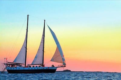 Cruises and Sailing Tours in Tamarindo