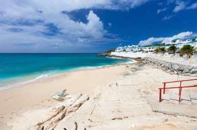 Cupecoy Bay Beach in St Maarten