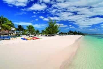 Freeport Shore Excursion: All-Inclusive Viva Wyndham Fortuna Beach Resort Pass in Bahamas