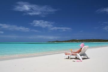 Freeport Shore Excursion: Round-Trip Beach Transfer to Taino Beach in Bahamas