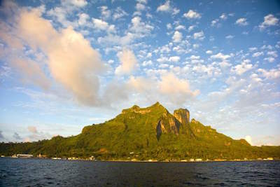 Mount Pahia in Bora Bora