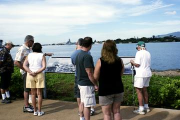 Pearl Harbor Visitor Center Tour -in-Oahu