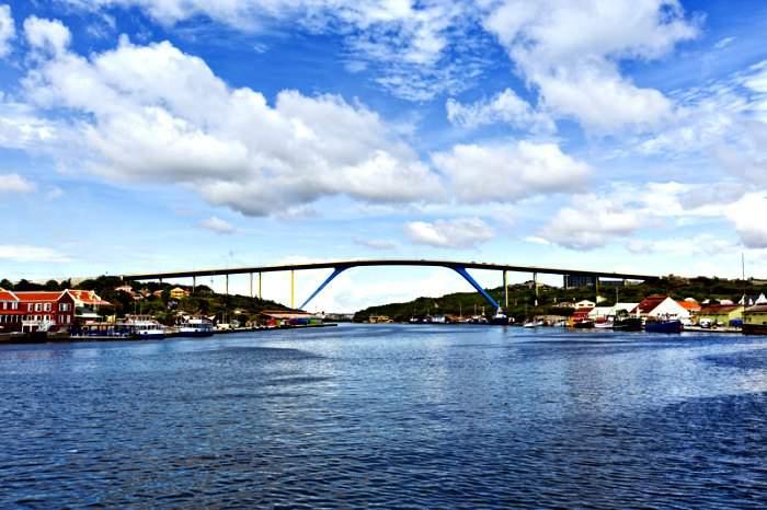 Queen Juliana bridge in Curacao