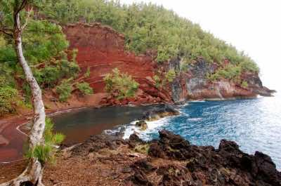 Red Sand Beach (Kaihalulu Beach)