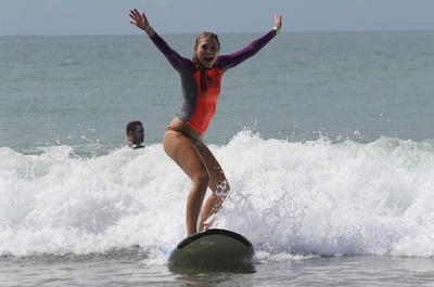 Surfing lessons in Manuel Antonio