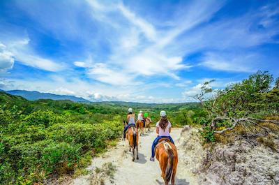 Vida Aventura Park in Guanacaste: Zipline Tour, Horseback Ride and Hot Springs in Guanacaste