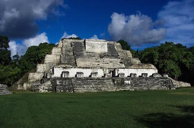 Lost For Centuries, Archaeologists Made This Stunning Discovery in Belize! Xarcheology-tours-in-belize-city.jpg.pagespeed.ic.KONOTKJnO4