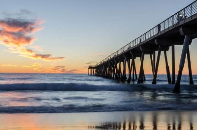 Hermosa Beach and Pier in Los Angeles