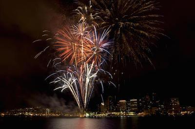Oahu Fireworks Dinner Cruise in Oahu