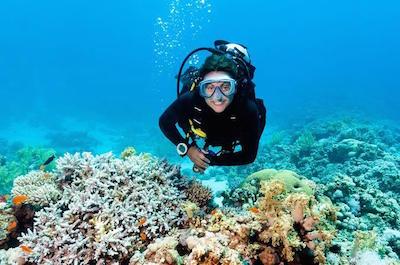 Scuba diving in Placencia Belize