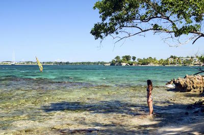 Montego Bay Shore Excursion: Negril's Time Square, Seven-Mile Beach and Rick's Cafe