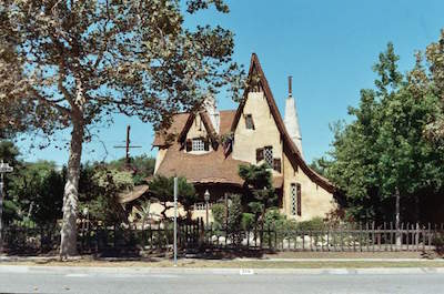 things to do in Beverly Hills - Spadena House