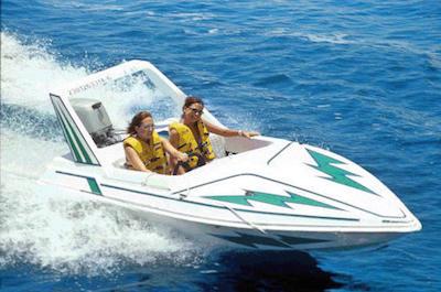 Speedboat tour in St. Petersburg
