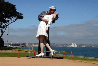 Unconditional Surrender Sculpture in Sarasota